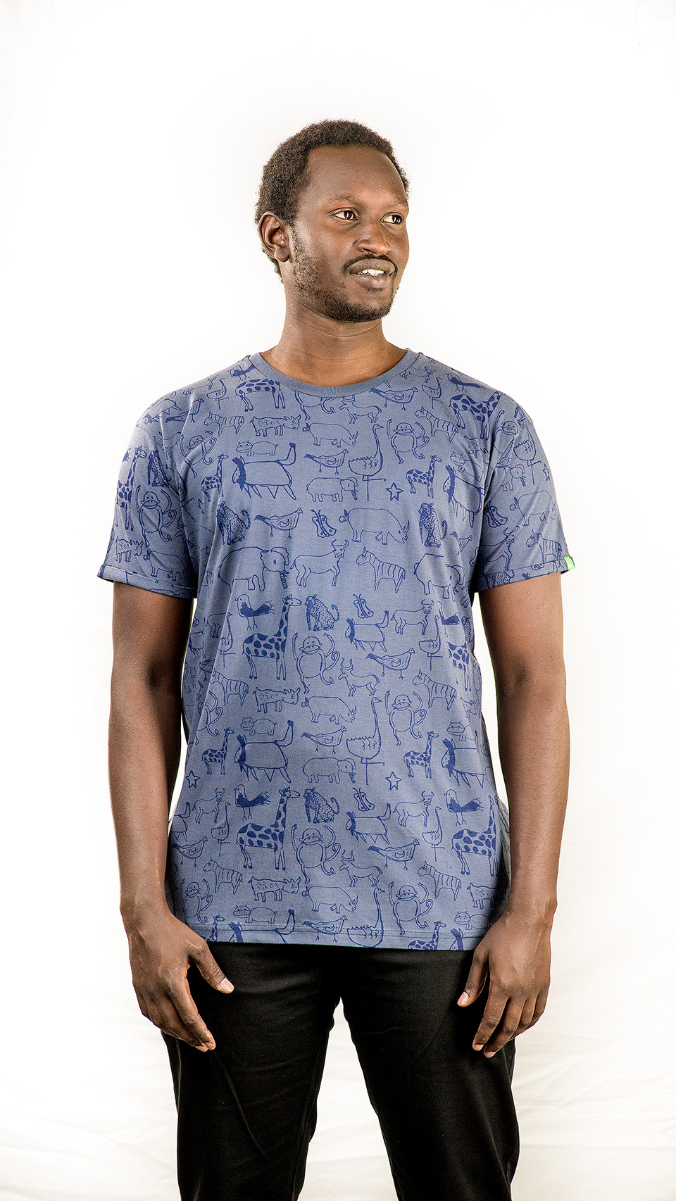 Kipepeo_Fair_Trade_Shirt_Nairobi_Männer_Charcoal_Made_in_Kenya (4)